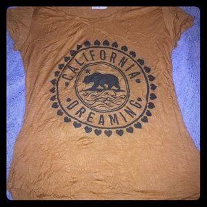 Free Kisses California Graphic Tshirt
